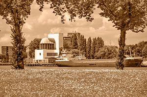 Rotterdam park en rivier - monochroom van Frans Blok