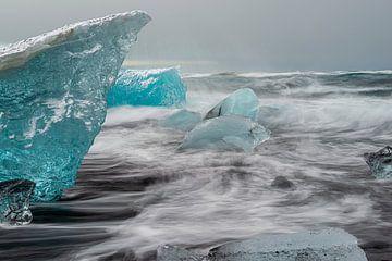 Après mille ans échappé du glacier sur Gerry van Roosmalen