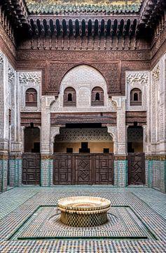 Ancienne école coranique à Meknes, Maroc sur Rietje Bulthuis