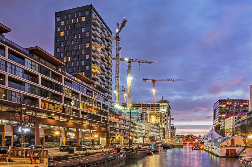 Rotterdam, Wijnhaven in het blauwe uur van Frans Blok