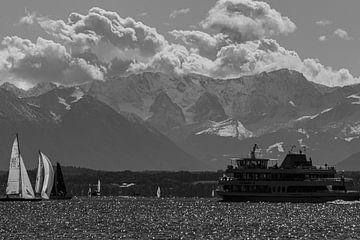 Berge am Starnberger See von Oguz Özdemir