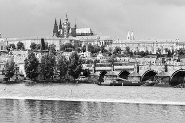 Karelsbrug en de Praagse Burcht van Koen Henderickx