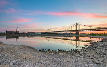 Rijnbrug Krefeld-Uerdingen van Michael Valjak