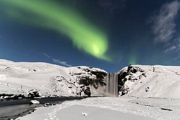 Skogarfoss with Aurora Borealis sur Ab Wubben