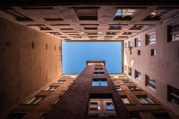 Architecture abstraite à Lyon, carré, tirage photo sur Manja Herrebrugh - Outdoor by Manja
