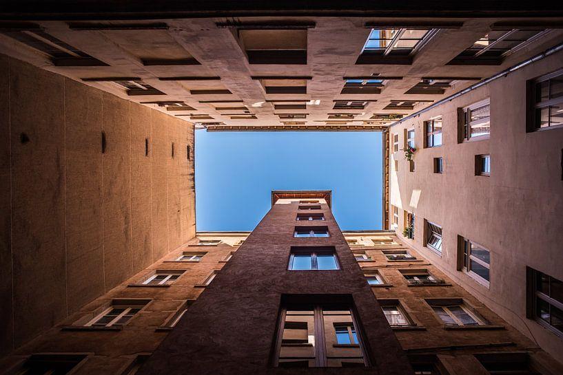 Abstracte architectuur in Lyon, vierkant, fotoprint van Manja Herrebrugh - Outdoor by Manja