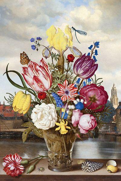 Gezicht op Delft - Achter Vaas met Bloemen sur Marja van den Hurk