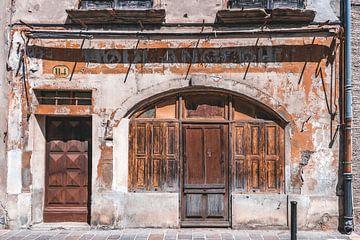 Portes et fenêtres anciennes sur Mirjam Brozius