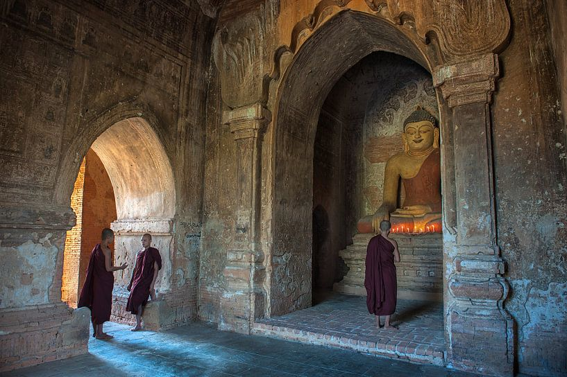 Three Monks van Johan Ensing