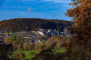 Herfst uitzicht op Chateau Neercanne en Cannerbos in Maastricht van Kim Willems