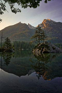 Alpenglow aan de Hintersee