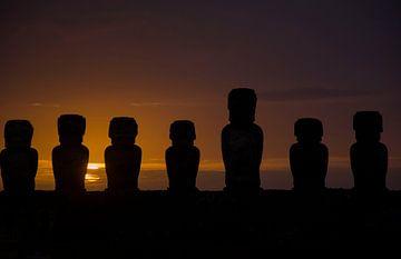 Sonnenaufgang auf der Osterinsel, Rapa Nui von Bianca Fortuin