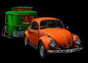 VW 1300 mit Eriba Familia Wohnwagen in green & orange