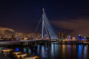 Erasmusbrücke bei Nacht - Rotterdam von Mart Houtman