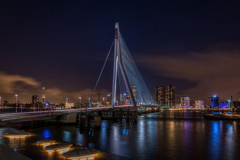 Erasmus brug @ night - Rotterdam van Mart Houtman