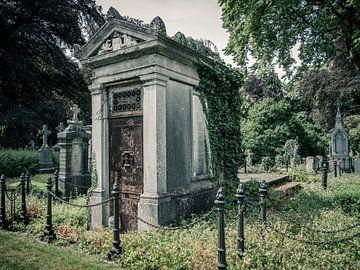 Oude graftombe, België van Art By Dominic
