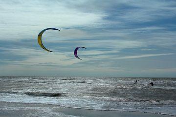 Kitesurfen bij het Maasvlaktestrand van Capture the Moment 010