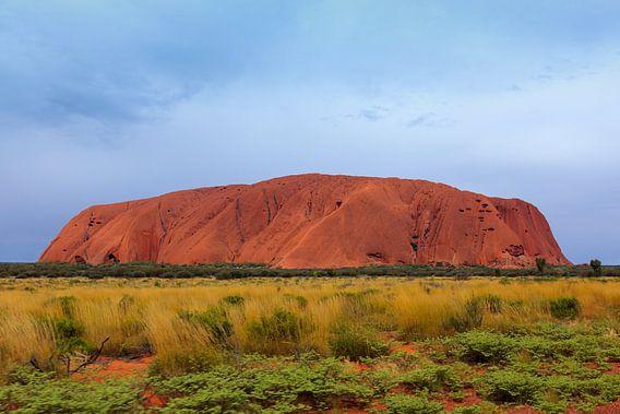 Uluru,  of Ayers Rock, Noordelijk Territorium, Australië van Henk van den Brink