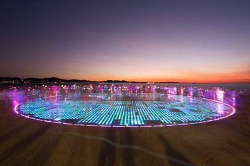 Zonaanbidding - lichtshow in Zadar van Dennis Eckert