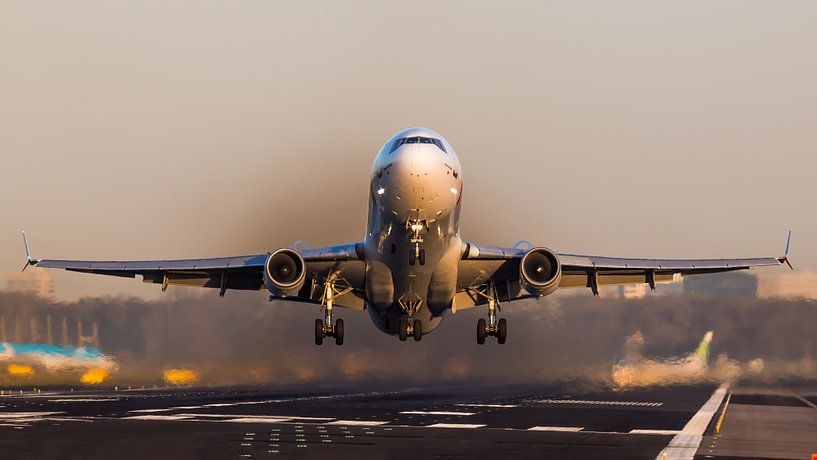 Martinair McDonnell MD-11F tijdens zonsondergang van Dennis Janssen