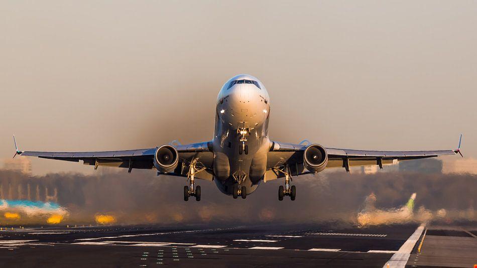 Martinair McDonnell MD-11F tijdens zonsondergang