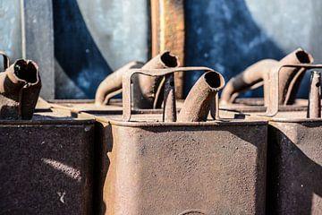 oude oliekannen van Lisanne Bosch