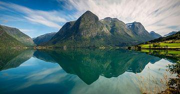 Oppstryn See Reflexionen, Norwegen von Adelheid Smitt