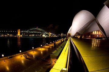 Aussie icons together at night van Thijs Struijlaart