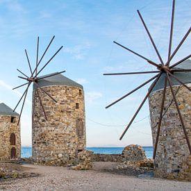 Windmolens op het Griekse eiland Chios van Reis Genie