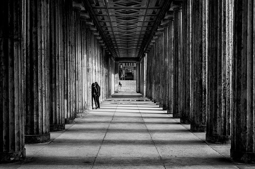 Hiding in Berlin...  van Valerie Leroy Photography