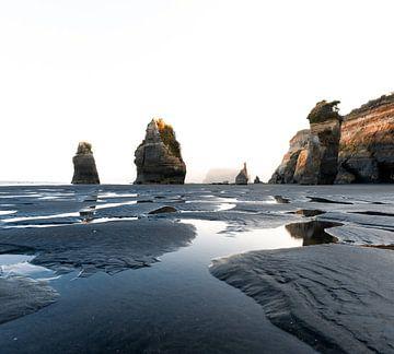 Prachtige zonsopkomst in Nieuw Zeeland, Three sisters tijdens het gouden uur. van Niels Rurenga