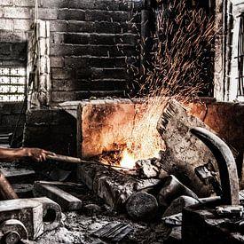 Balinese ambachtelijke metaalbewerker (Noord Bali, Lovina) van Giovanni della Primavera