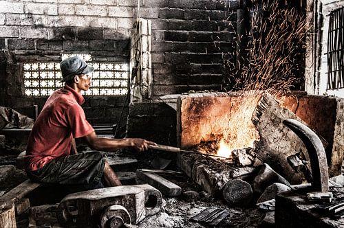ambachtelijke metaalbewerker van Jaap van Lenthe