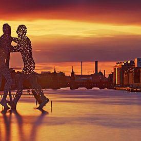 Berlin Skyline am alten Osthafen an der Spree von Frank Herrmann