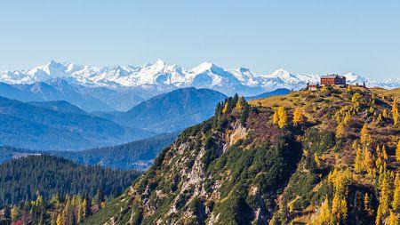 Berghut met panorama