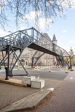 Nood brug over straat von Marcel Derweduwen