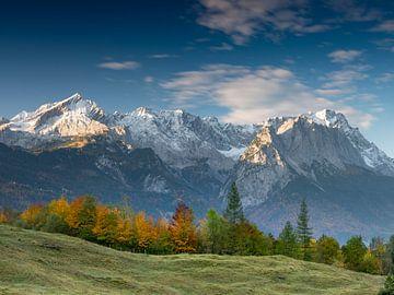 Herbststimmung unterhalb der Zugspitze von Andreas Müller