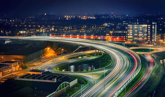Noordelijke Ringweg Groningen in de nacht thv Bedumerweg/Noordzeebrug