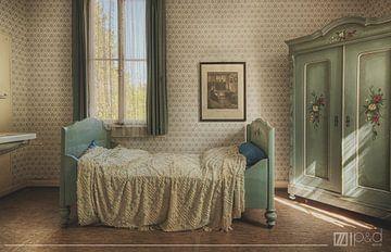 urbex: slaapkamer in een verlaten hotel von Natascha IPenD