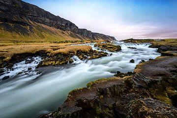 Foss Waterfall in Iceland  sur Marcel  van de Gender