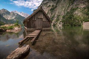 Houten huisje in het meer van Maikel Brands