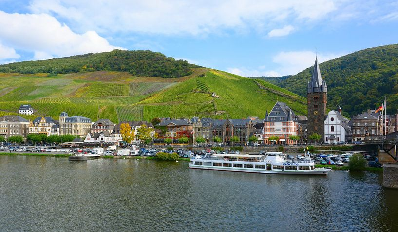 The Moselle in Bernkastel-Kues sur Gisela Scheffbuch