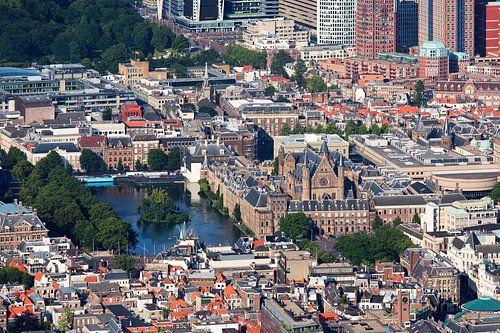 Luchtfoto Binnenhof Den Haag van Anton de Zeeuw