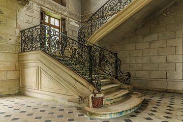 Schönes Treppenhaus in Chateau des Singes von Patrick Löbler