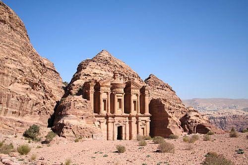 Het klooster van de historische stad Petra in Jordanië.