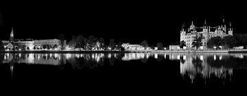 Schwerin Skyline 's nachts
