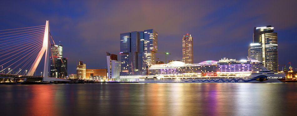 Rotterdam Koningsdag van Pieter van Dieren