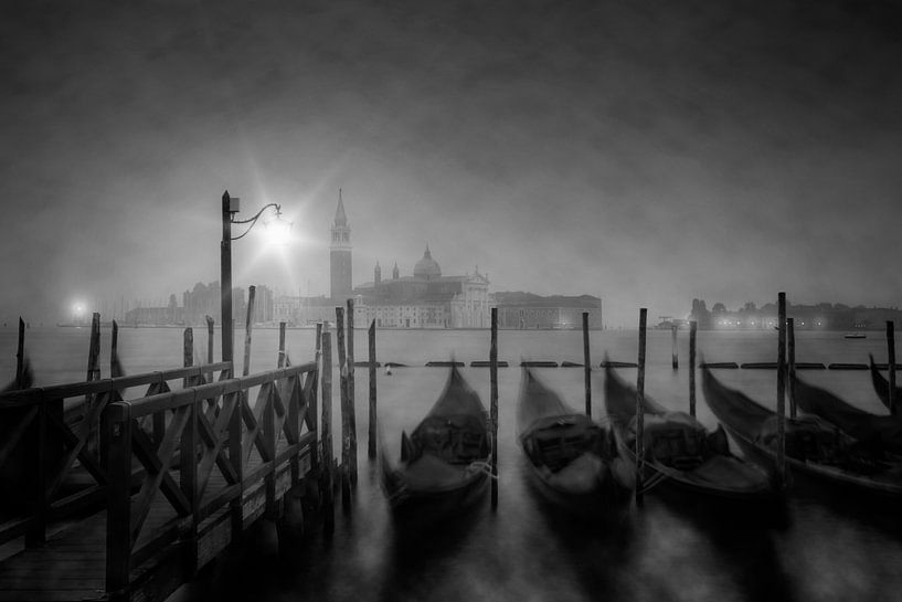 VENICE Foggy Nightly View to San Giorgio Maggiore van Melanie Viola