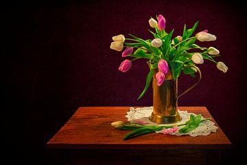Stilleven: Tulpen van Carola Schellekens