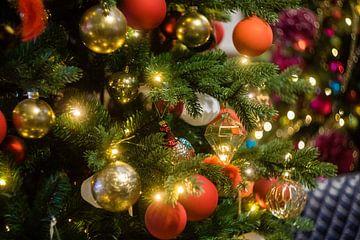 opgetuigde kerstboom van mick agterberg